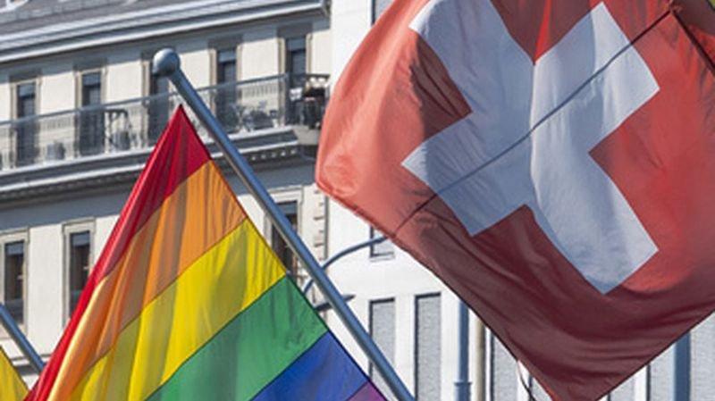 Votations du 9 février: les grands partis, sauf l'UDC, veulent des limites claires à l'homophobie