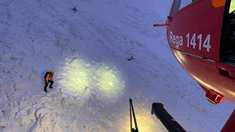 L'opération d'évacuation a été menée avec l'aide de la colonne de secours de Villars et du Secours alpin romand (SARO).