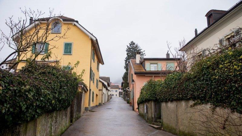 Mont-sur-Rolle: des macarons dans le vieux bourg difficiles à avaler