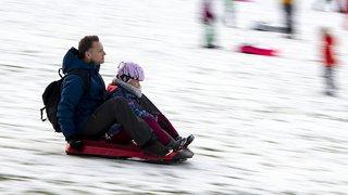 Sports de neige et blessures: les lugeurs trop peu nombreux à porter un casque