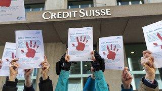 Siège de Crédit Suisse endommagé: un activiste du climat bientôt jugé à Genève