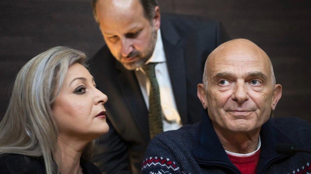 Toto Morand (à droite), qui défendait la forêt du Flon contre un projet de tramway, a fini par trouver un terrain d'entente avec la conseillère d'Etat Nuria Gorrite et le syndic de Lausanne Grégoire Junod (au centre).