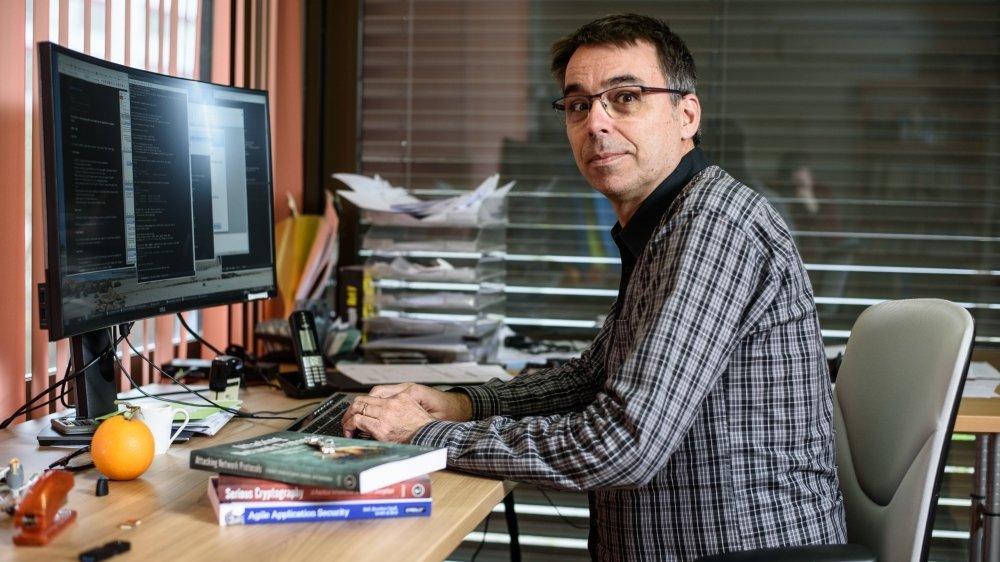 Philippe Oechslin, directeur de l'entreprise Objectif Sécurité à Gland, un geek éthique.