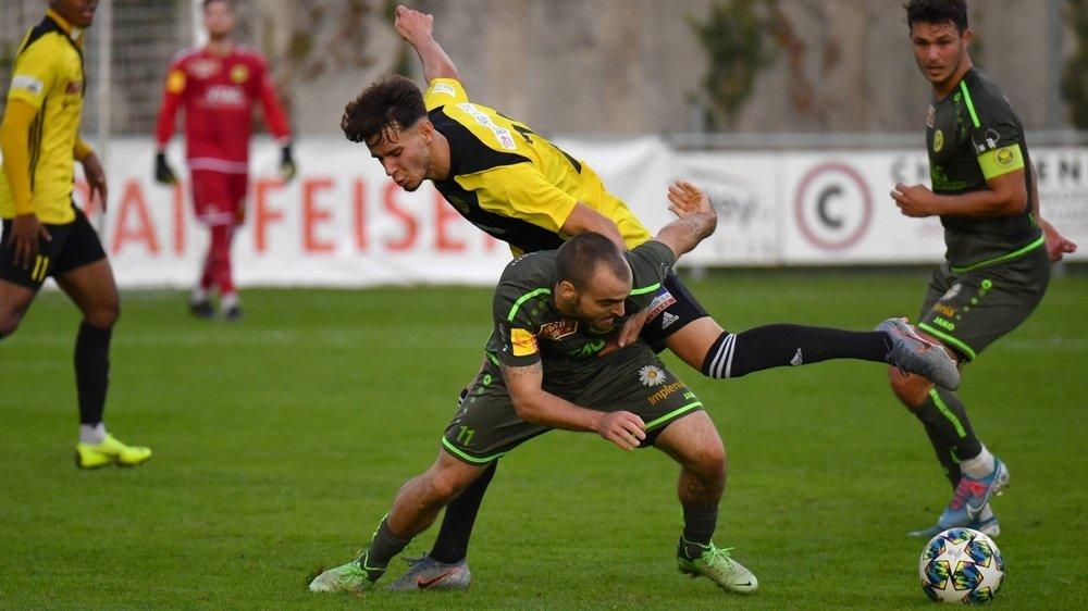 Fabio Gomes (en jaune et noir au centre) a inscrit le but victorieux face à SLO.