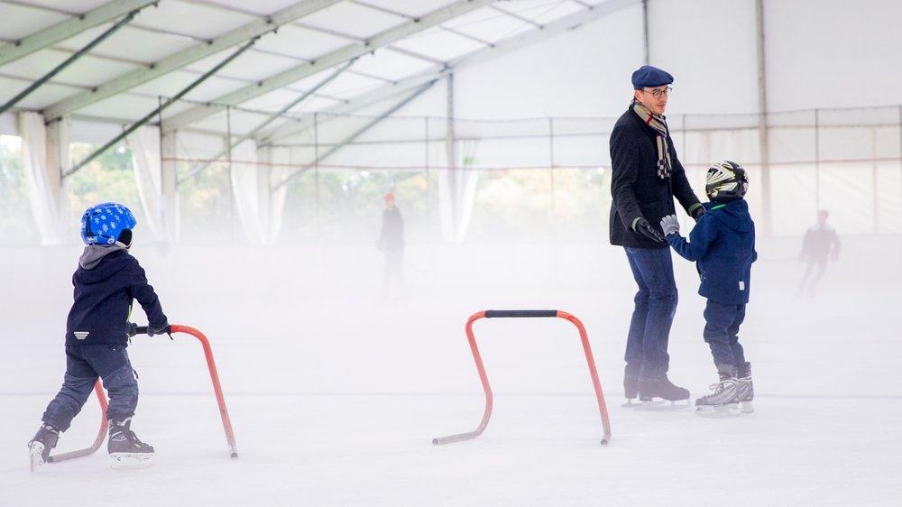 Patineurs amateurs et clubs de hockey ont profité de la surface de glace perrolane.