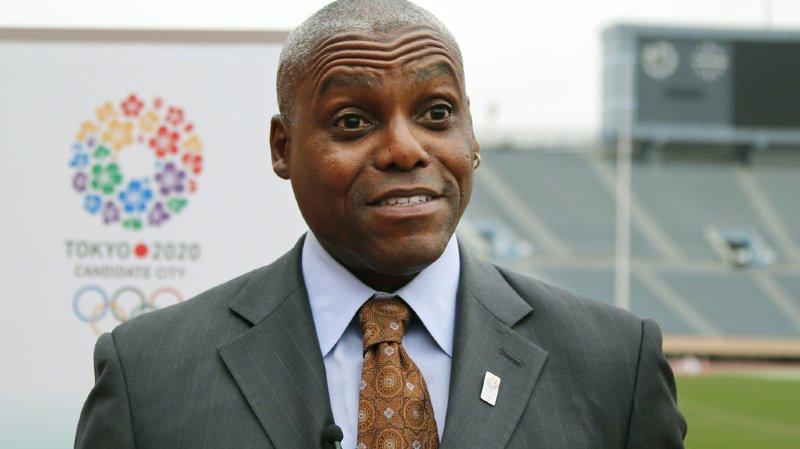 Carl Lewis, ici en 2013 à Tokyo, a rejoint nombre d'anciens athlètes en plaidant pour le report de JO de Tokyo prévus du 24 juillet au 9 août.