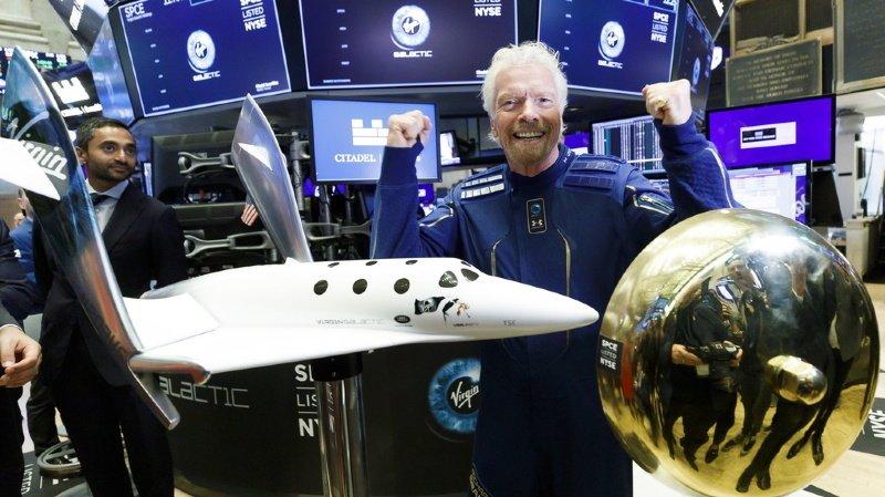 Tourisme spatial: Virgin Galactic compte près de 8000 personnes sur sa liste d'attente
