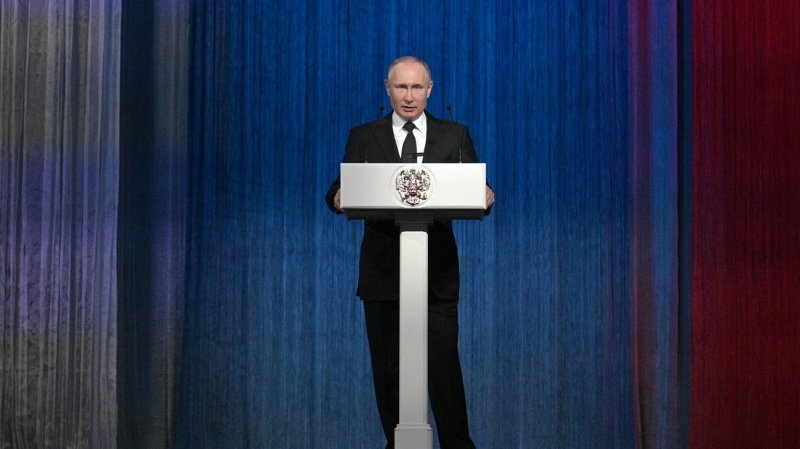 Russie: Poutine veut interdire le mariage homosexuel