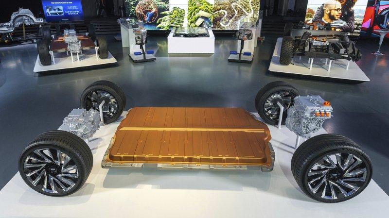 Voitures électriques: General Motors dévoile une batterie ultra-puissante pour concurrencer Tesla