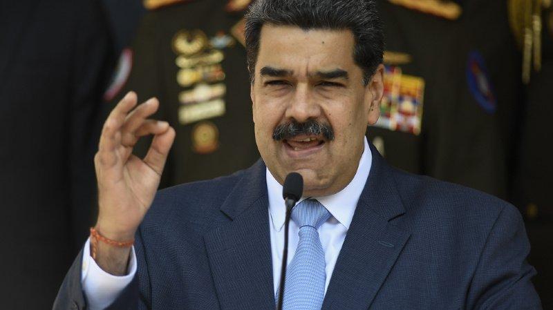 """Vénézuela: le président Maduro inculpé de """"narco-terrorisme"""""""