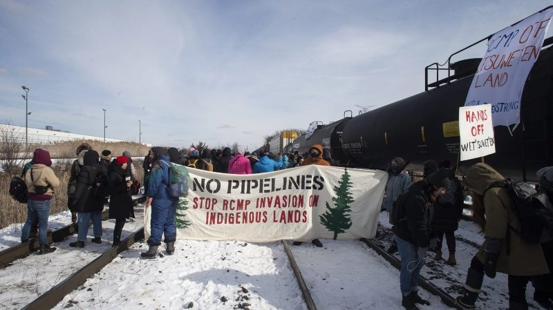 Les Mohawks bloquent le trafic ferroviaire