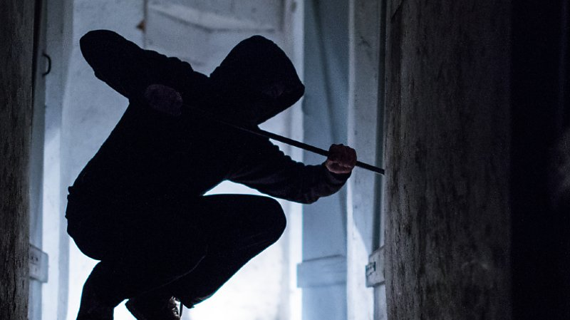 Criminalité: moins de cambriolages, mais plus d'escroqueries en 2019