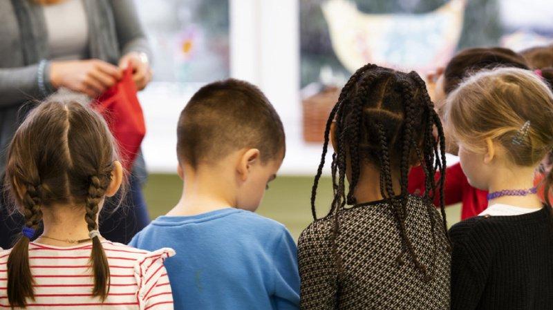 Comportement: les enfants bilingues gesticulent autrement et se font mieux comprendre