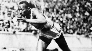 Athlétisme: Jesse Owens, le sprinter qui avait humilié l'Allemagne nazie, reste controversé