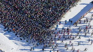Coronavirus: le gouvernement suisse interdit immédiatement les grandes manifestations