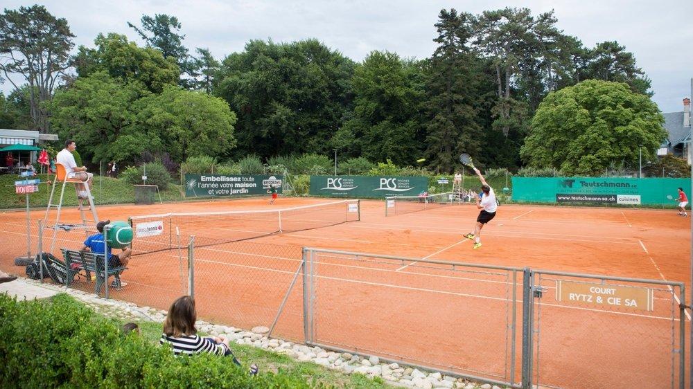 Si les courts de tennis rouvrent, des mesures contraignantes sont à prévoir pour leurs usagers.