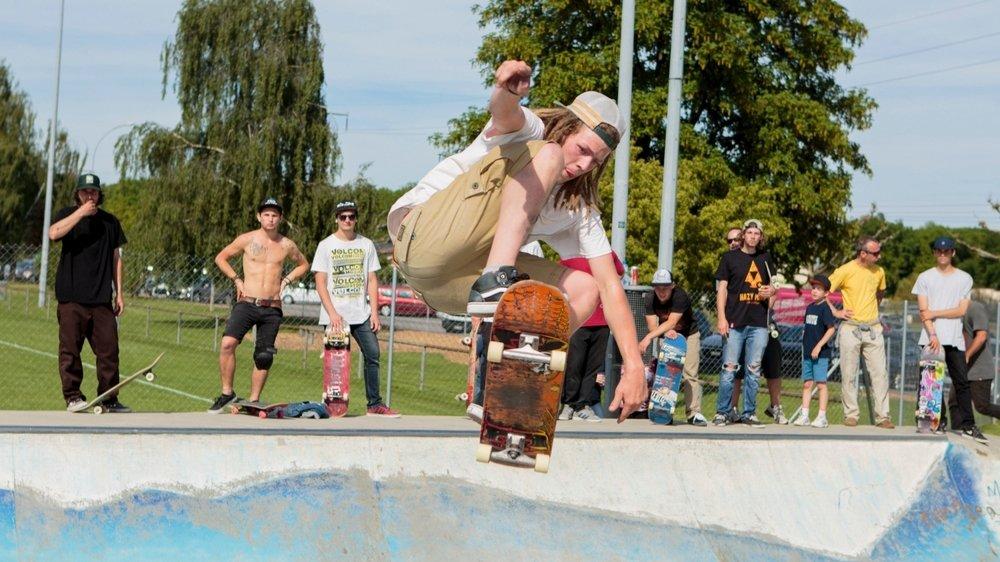 Les skateurs peuvent à nouveau se faire plaisir à En Bord, à condition d'être moins de cinq dans le skatepark.