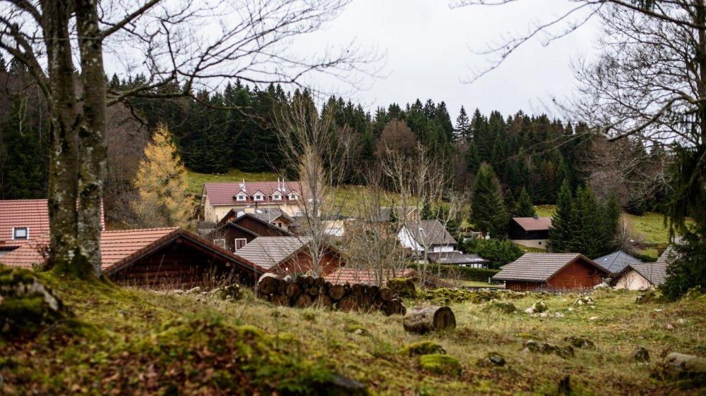 Dans les hameaux de Saint-Cergue, comme ici à La Cure, certains chalets deviennent petit à petit des résidences principales.