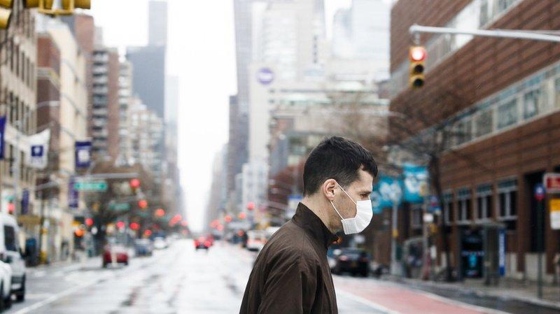 Coronavirus: le maire de New York appelle à se couvrir le visage pour sortir