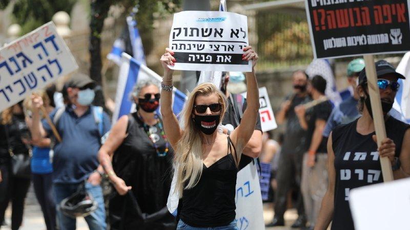 Israël: la Cour suprême se penche sur l'accord entre Netanyahu et Gantz