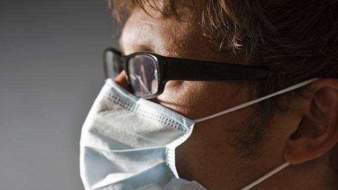 Coronavirus: cinq astuces pour éviter la buée sur vos lunettes lorsque vous portez le masque