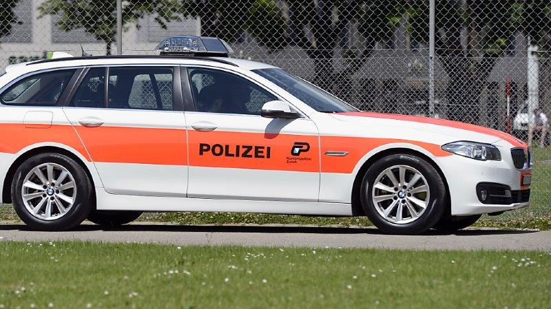 Accident de la route: femme renversée par une voiture après avoir chuté d'un pont à Zurich