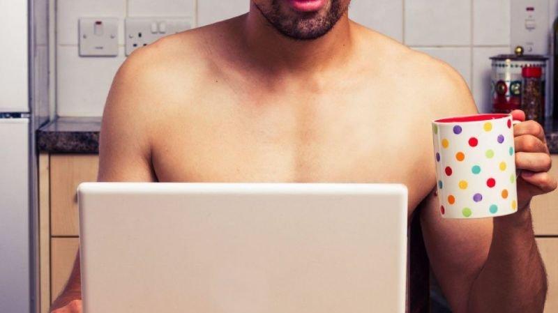 Si autant de victimes paient les sommes réclamées, c'est sans doute parce qu'elles éprouvent de la honte de s'être adonnées à de la pornographie (image d'illustration).