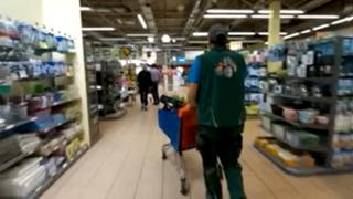 Coronavirus: un horticulteur furieux entre dans un magasin Migros et en évacue des plantons