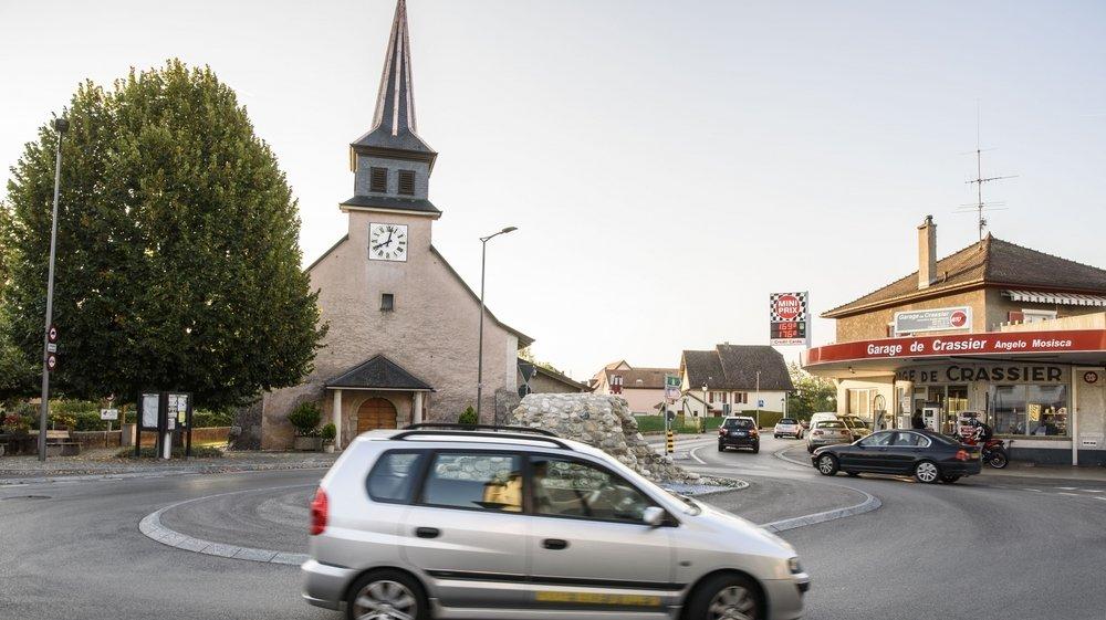 Le temple de Crassier n'appartenait à personne depuis la disparition de la paroisse de Crassier en 2000. Elle est désormais la copropriété de quatre communes.