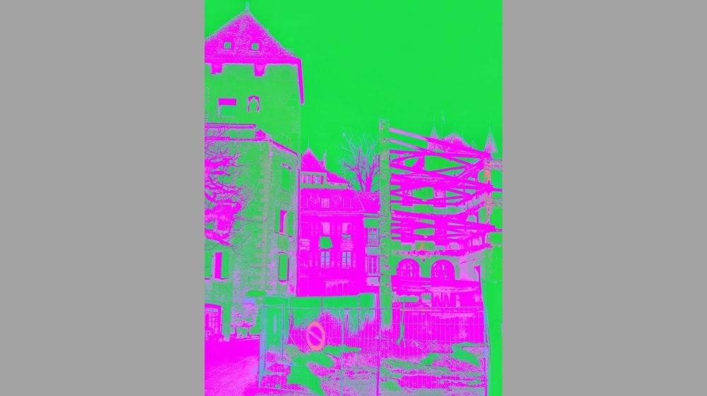 Chantal Zingg maquille ses images avec des couleurs vives à la Andy Warhol et revisite ainsi Nyon et ses lieux emblématiques.