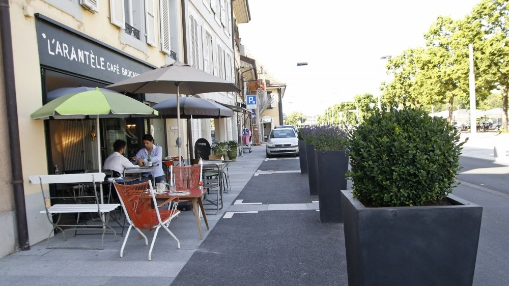 De nouvelles terrasses (ici celle de l'Arantèle) pourraient fleurir cet été dans la Grand-Rue.