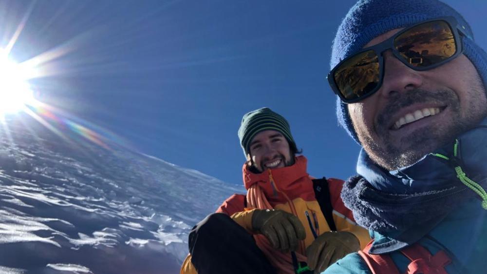 """Il y a quelques jours, Matthieu Fournier était en route pour la pointe Dufour, en tournage pour """"Passe-moi les jumelles""""."""