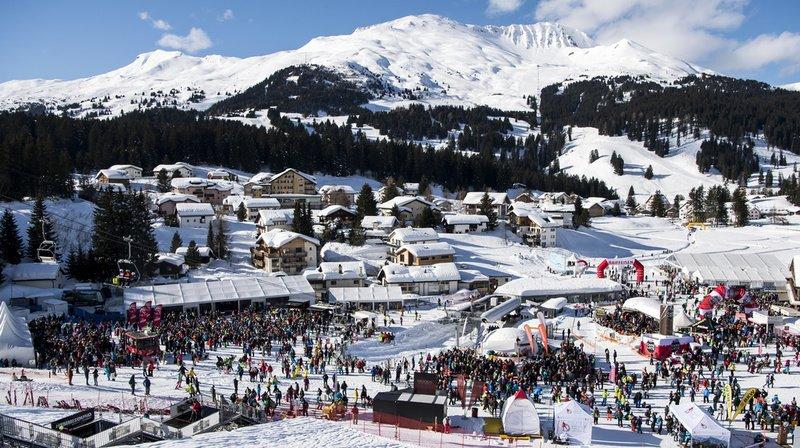 Vue générale de la zone d'arrivée lors du slalom géant féminin de Coupe du monde qui s'est disputé à Lenzerheide en janvier 2018.