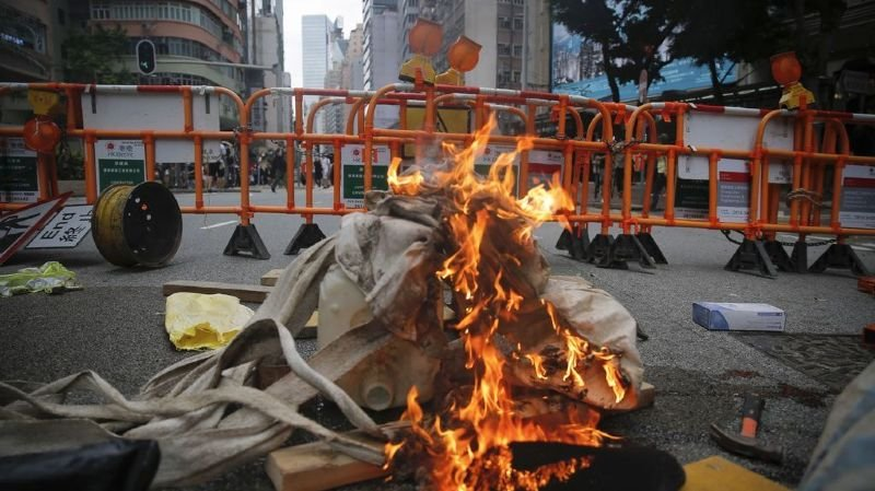 Cela faisait des mois que l'île de Hong Kong n'avait plus été le théâtre de ce genre de confrontations.