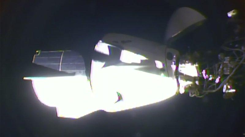 La capsule est arrivée en avance à la station spatiale.