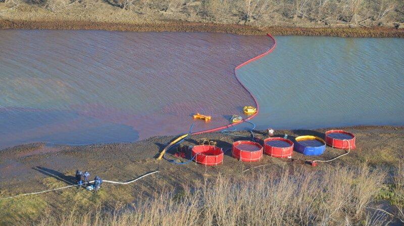 Pollution aux carburants dans l'Arctique russe: trois hommes arrêtés