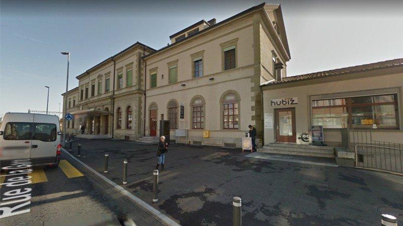 La bagarre a eu lieu devant la gare de Payerne.