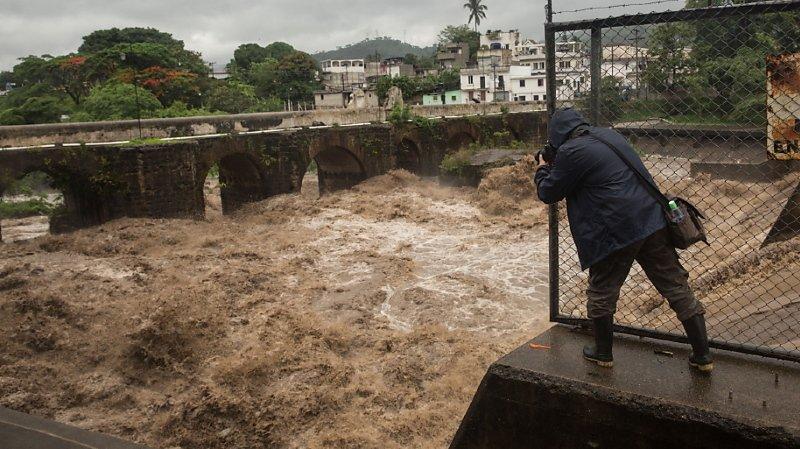 Amanda est la première tempête de la saison venue de l'océan Pacifique à toucher le Guatemala.