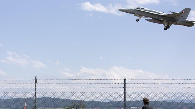Crash d'un F/A-18 en 2015 en France: le pilote mis en accusation
