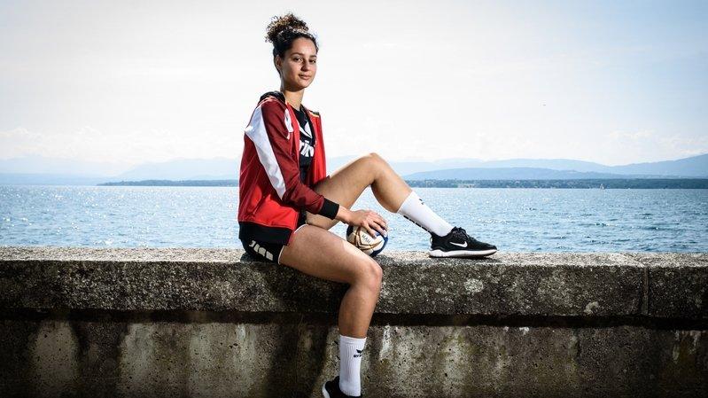 A 20 ans, cette handballeuse de Borex est la chouchou du public suisse