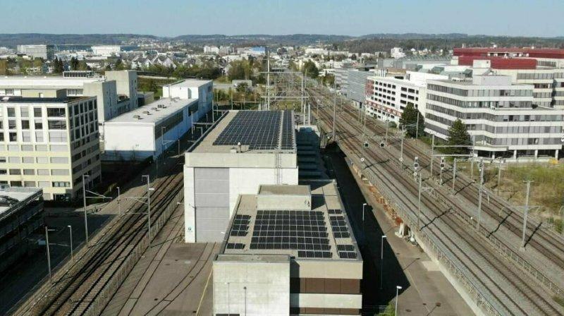 Transport ferroviaire: électricité solaire pour les trains des CFF