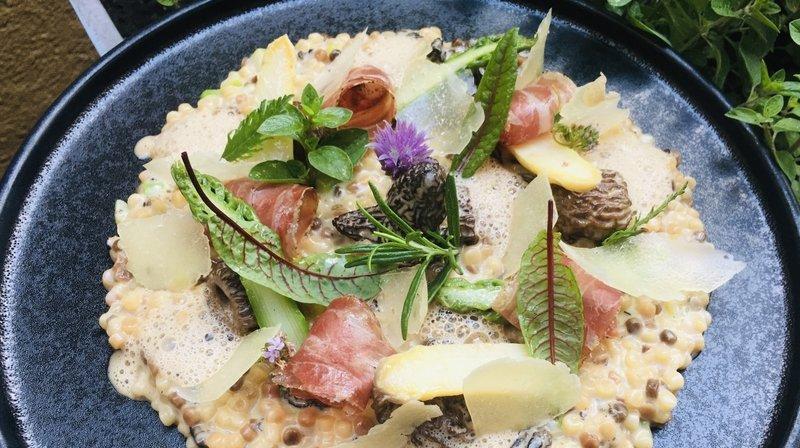 Recette: Fregola sarda crémeuse aux morilles et asperges valaisannes, pecorino et coppa d'Entremont