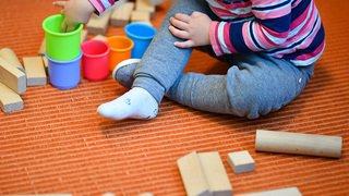 Fiscalité: Ueli Maurer défend un relèvement des déductions pour enfants
