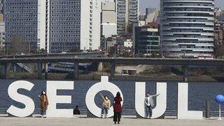 Une flambée de cas près de Séoul fait craindre une nouvelle vague