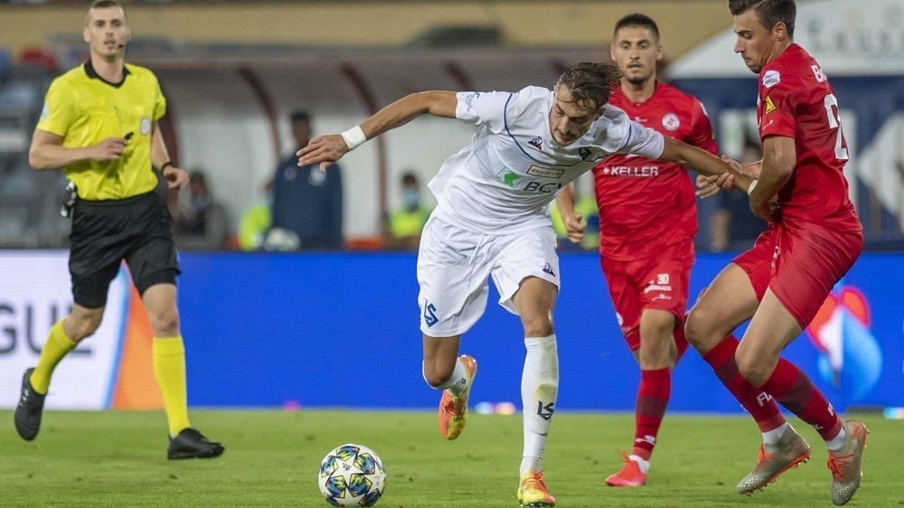 Le Lausannois Aldin Turkes et ses coéquipiers ont les deux pieds en Super League. Il ne leur manque plus qu'à valider officiellement leur promotion, jeudi, à Colovray.