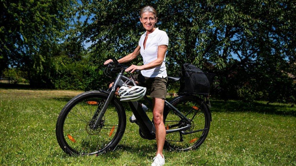 Pendant le semi-confinement, Nathalie Vez a enfourché son vélo électrique pour faire ses courses chez les producteurs.