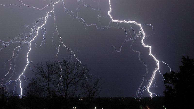 Un violent orage a balayé le canton de Genève: une partie du trafic interrompu et le n°118 surchargé