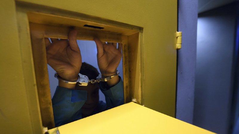 Grande-Bretagne: un rappeur britannique condamné à 24 ans de prison pour viols
