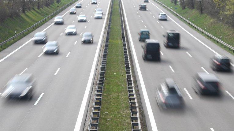 Allemagne: deux chauffards suisses flashés à 245 km/h au lieu de 120