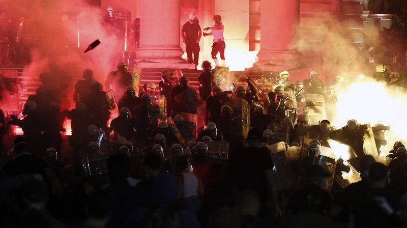 Serbie: quatrième soirée de manifestations à Belgrade